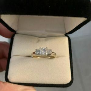 Kay Jewelers 14k Gold Diamond Ring
